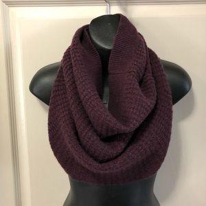 aritzia knit circle scarf